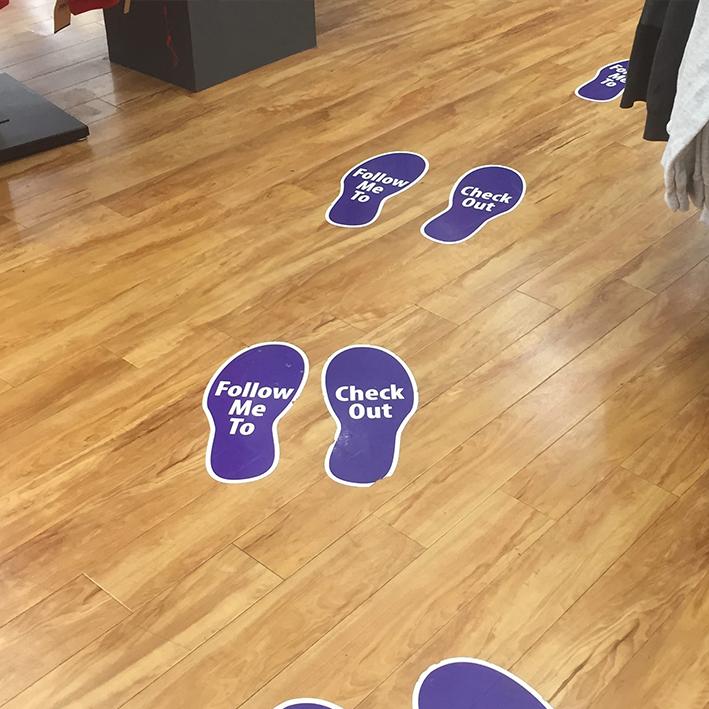Impronte adesive pavimento